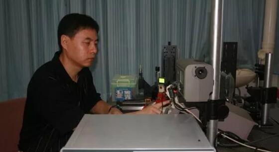 彭俊彪团队AMOLED显示屏技术突破国外垄断