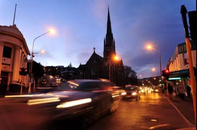 未来是橙色的?又一城市拟采用琥珀色LED路灯照明
