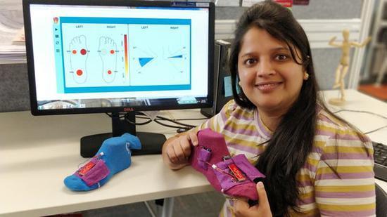 澳大利亚科学家研发智能袜子SoPhy 帮助患者进行理疗