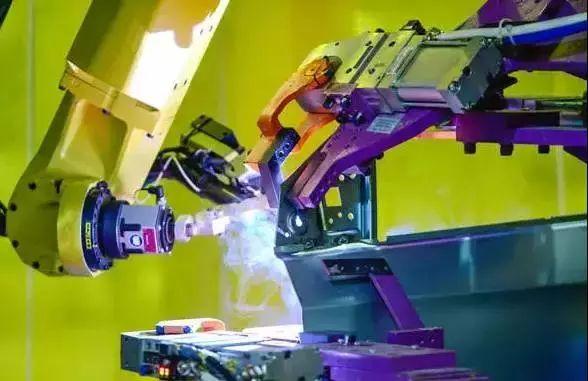 探访通用武汉工厂:满眼机器人 自动化率97%!