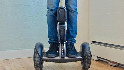 Segway研发Loomo平衡车 可以瞬间变身机器人