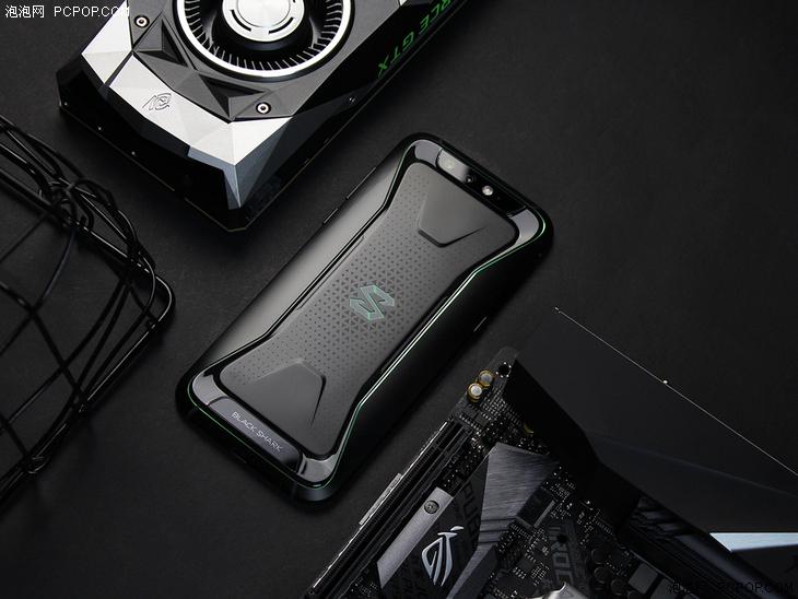 """黑鲨手机采用的""""液冷""""是什么原理?"""