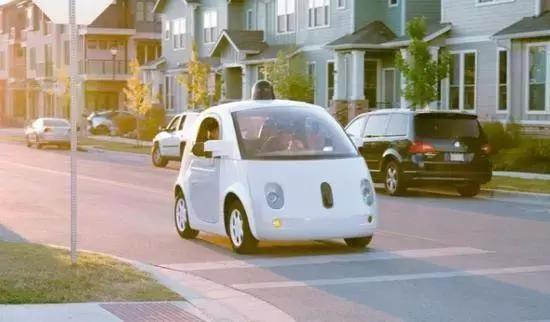 首次路测事故一个月后 全球自动驾驶企业的众生相