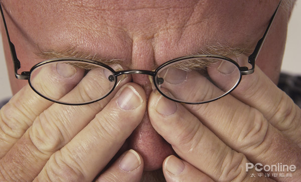 为什么我的眼里常含泪水?原来都是被LED灯给闪的