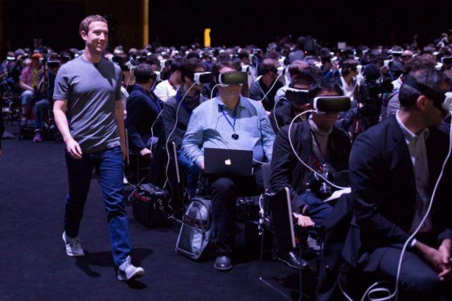 """FB正准备推首款独立VR头盔 处理个人数据面临""""生存危机"""""""