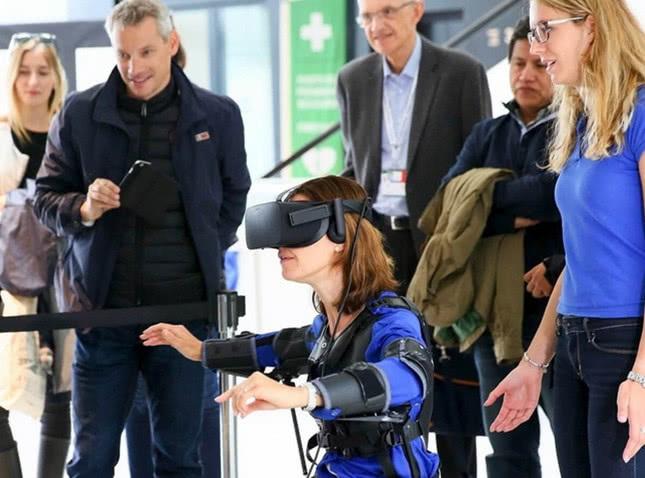 瑞士科学家研发飞行夹克,用户可以像鸟一样任意飞翔