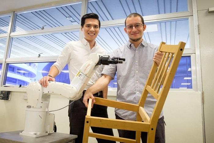 南洋理工大学科学家研发组装机器人,可以帮助用户组装椅子