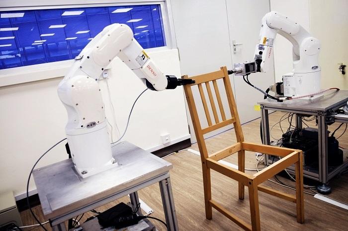 南洋理工大学研发组装机器人 可帮用户组装椅子