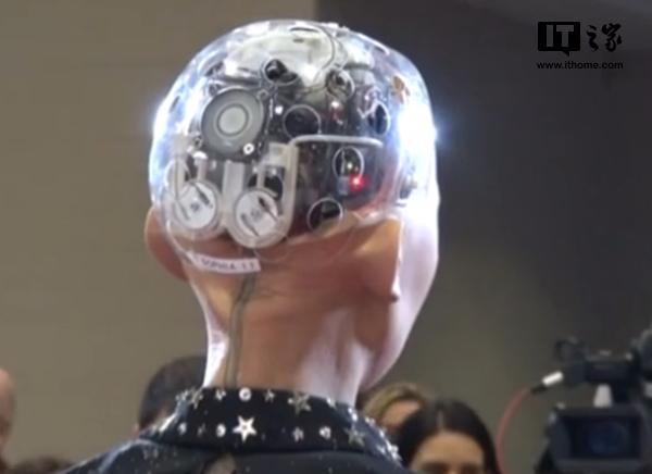 机器人索菲亚:不会尝试统治世界