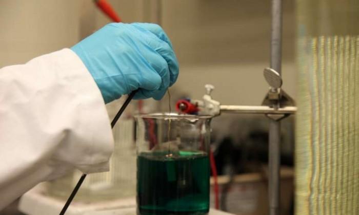 美研究员研发出新型复合材料,可在相对较高温度下出现超导现象