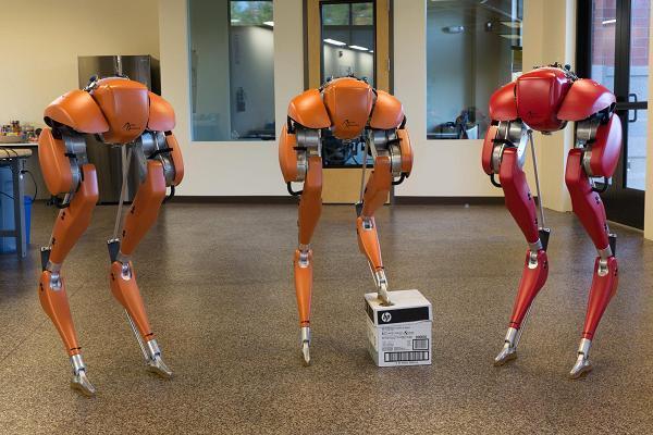AI创企推出双足机器人Cassie,可实现奔跑和行走