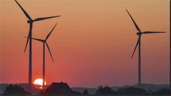 2018清洁能源十大预测:投资将达3300亿美元 中国仍占光伏发电主导地位
