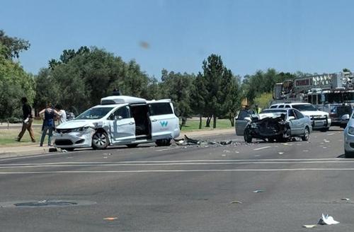 """无人驾驶路测安全问题频发:一款""""聪明""""的护栏该是什么样?"""