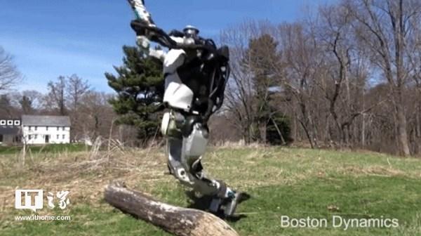 波士顿动力机器人再次人工智能进化:能跑能跳,还能自主导航