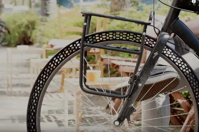 3D打印自行车轮胎 不用充气永远不会变形