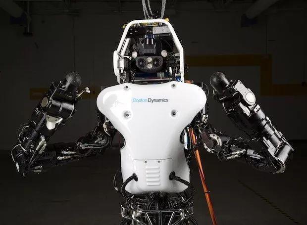 波士顿动力改进Atlas机器人 却还有唯一的尴尬