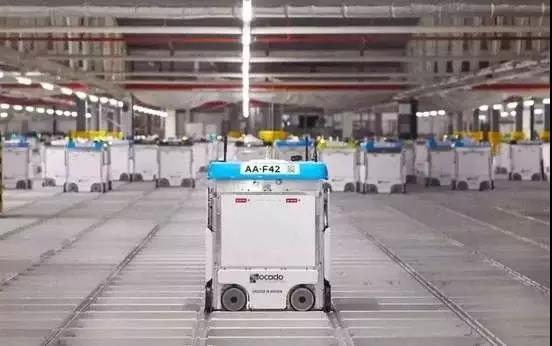 仓储机器人浪潮催生出的是物流自动化革新还是下岗恐惧?
