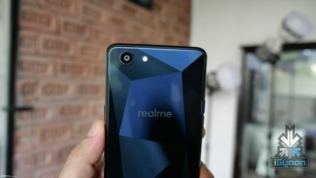 OPPO Realme 1真机现身 钻石后壳与OPPO F7很像