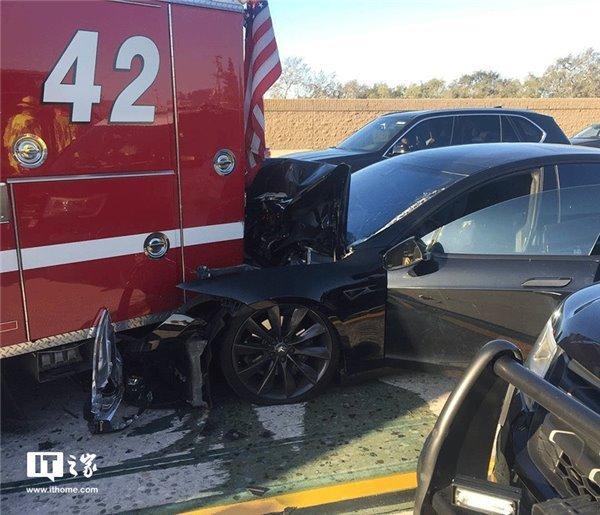 特斯拉CEO马斯克:媒体总拿车祸说事而无视无人驾驶好处