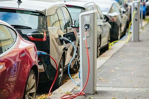 快速、高精度电池管理系统助力更安全的电动汽车