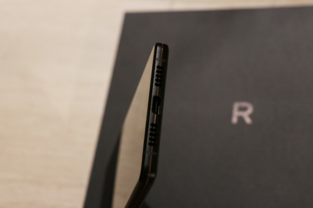 坚果R1上手评测:3499元手机誓做次世代旗舰