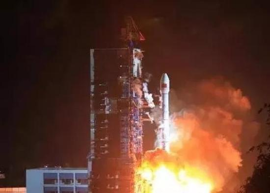"""""""不在服务区""""成为历史!中国自主卫星电话正式放号"""