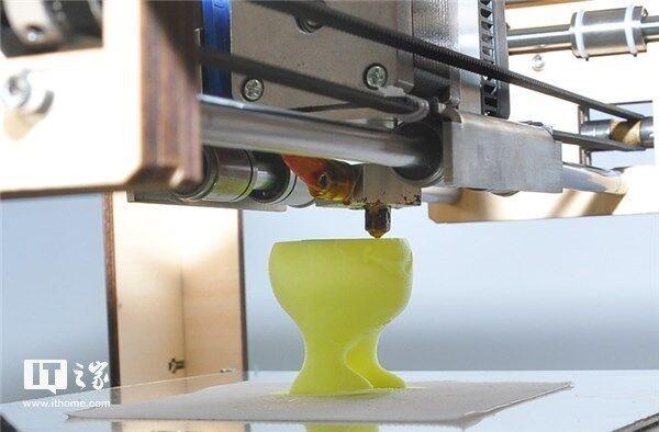 澳大利亚造9米高3D打印机:可制作飞机潜艇外壳