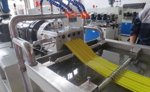 止水带如何在规定宽度内生产?