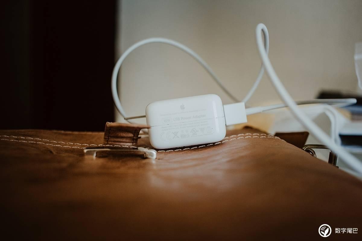 传苹果将为新 iPhone 配备全新充电头