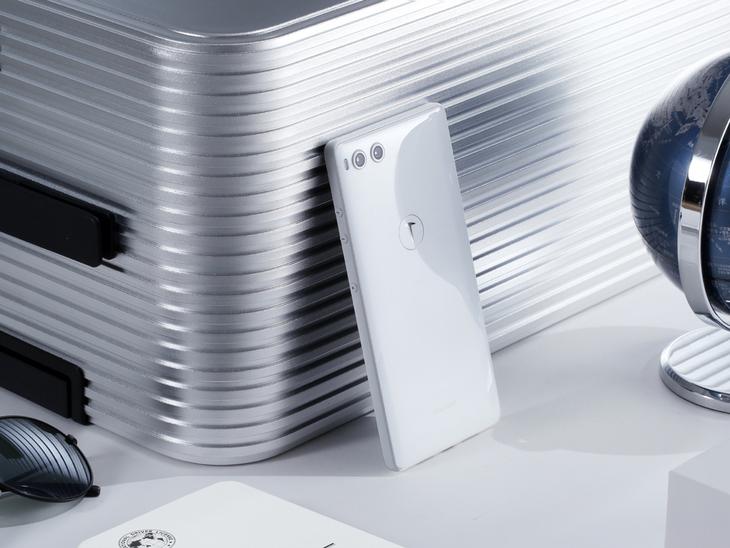 史上容量最高手机 1TB版坚果R1意味着什么?