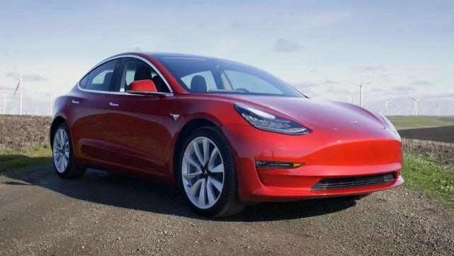 马斯克公布Model 3双电机全轮驱动3.5秒内加速至时速96公里
