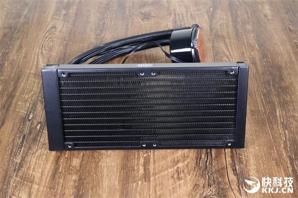 酷冷至尊冰神G240 RGB水冷散热器开箱