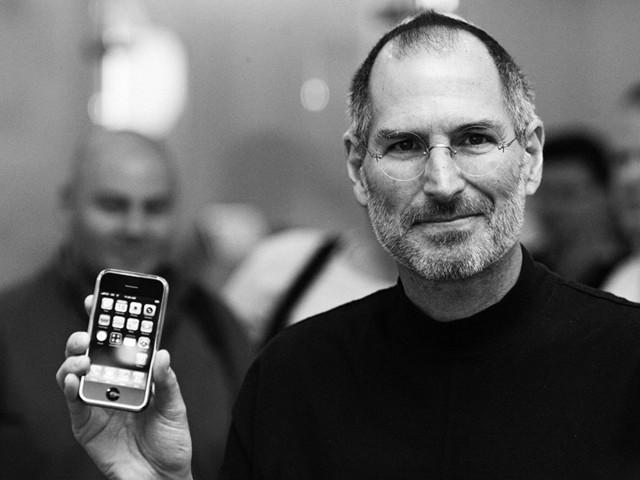 坚果R1带来手机存储新高度 TB级别已不再遥远