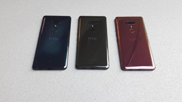 HTC U12+真机上手:半透明蓝色太吸睛[英皇娱乐场盘口]-具体内容-玩意儿