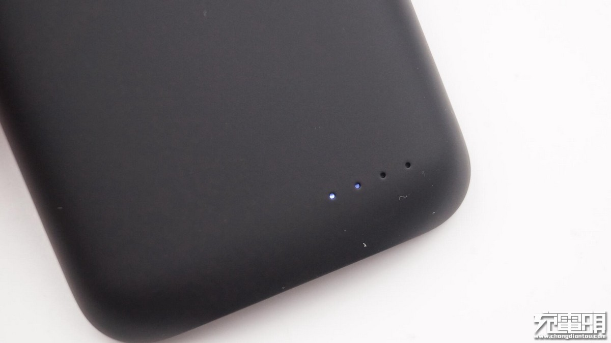 绿联iPhone X无线充背夹电源(PB128)开箱拆解