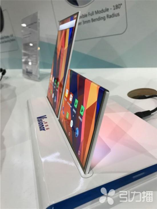 """苏企推出最""""软""""显示屏 弯折半径最小1.6毫米"""