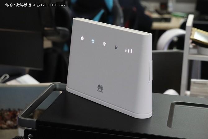 4G转WiFi插卡就上网 华为4G路由 2评测