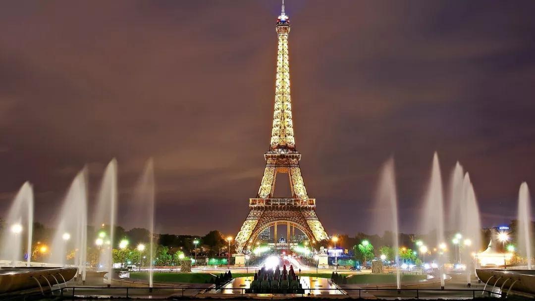 世界上最奢侈照明地标 每天电费800多万