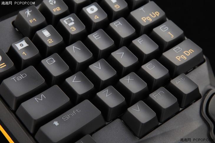 """为吃鸡而生 """"恰鸡助手""""P1单手键盘评测"""