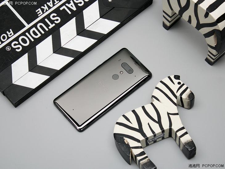 HTC U12+评测:旗舰配置与做工 解锁新技能还需VR加持