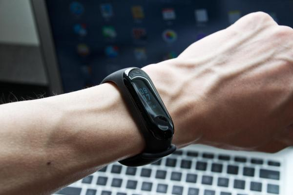 小米手环3体验:或许它能替代你的智能手表