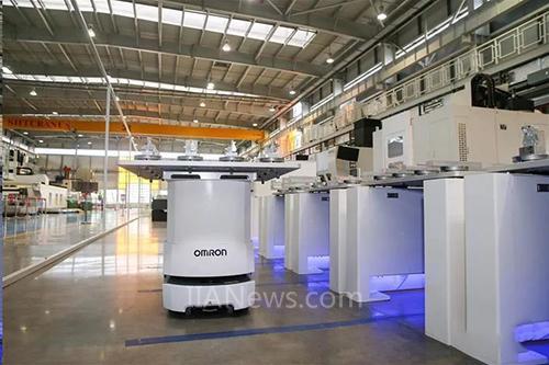 """欧姆龙移动机器人助力国产大飞机""""飞""""向新高度"""