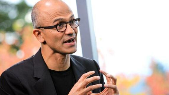 微软CEO表示正在开发利用大脑植入增强智力技术