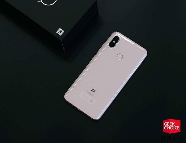 小米8评测:小米的8周年作品,是目前 3000 元档最值得买的智能手机