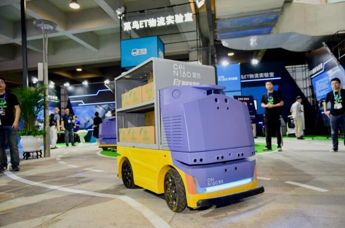 阿里巴巴造了个自动送货机器人,可配送鲜食-玩意儿