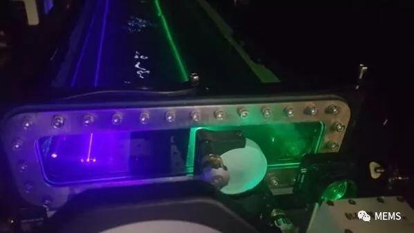 激光器在水下无线传输超高清视频暴雪娱乐中文官网-玩意儿