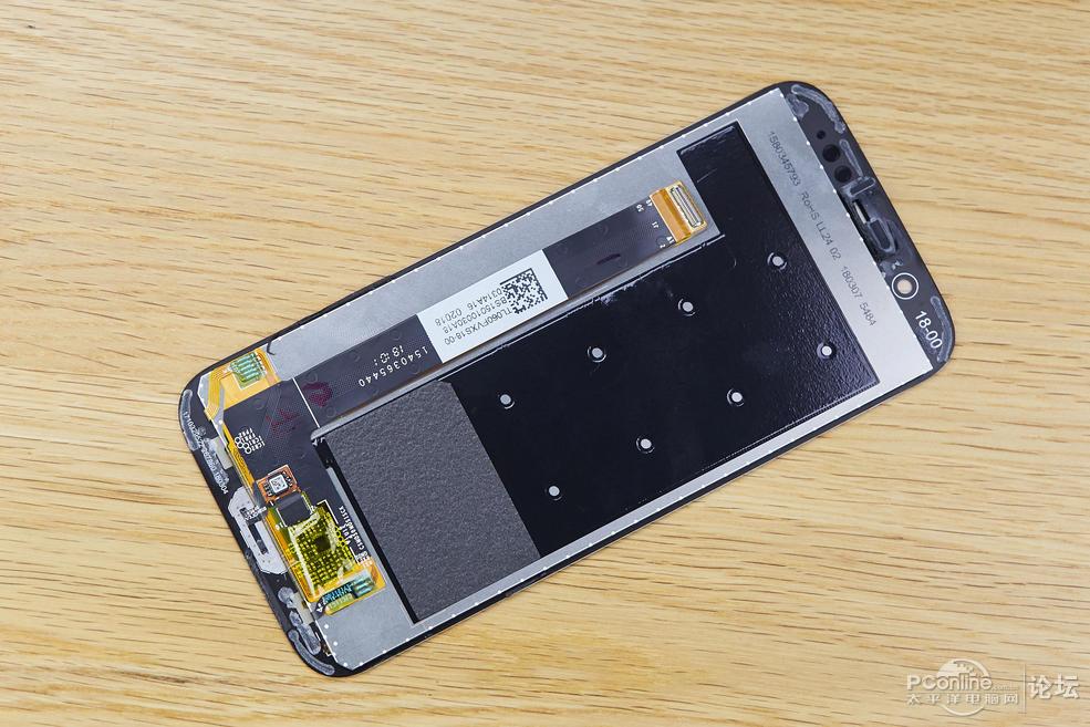 黑鲨手机详细拆解:手机内部加入液冷散热赌霸粤语