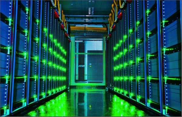 """用AI管机房、把服务器泡水里 阿里""""绿色科技""""成果被联合国点赞"""