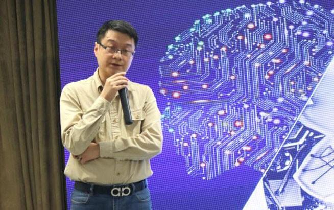 """重庆锐纳达樊清涛:坚持""""以人为本"""" 以应用服务培育家用机器人市场实况足球2013好玩吗-玩意儿"""