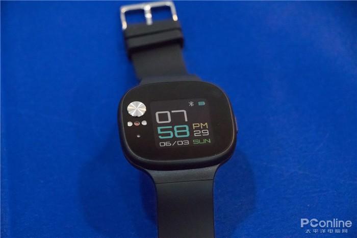 华硕发布旗下首款智能手环 主打血压监测
